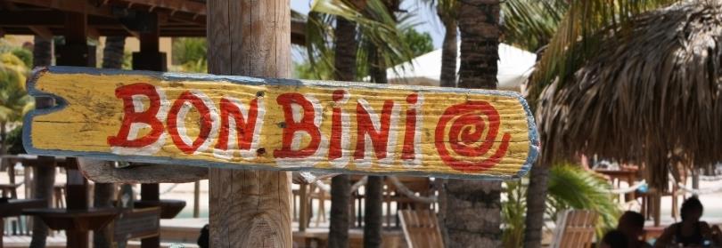 De officiële talen van Curacao zijn Nederlands en Papiaments