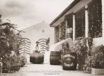 Oude foto likeurfabriek Senior & Co
