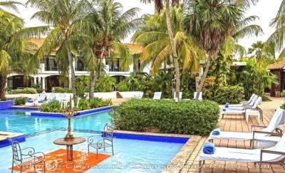 Floris Suite Hotel